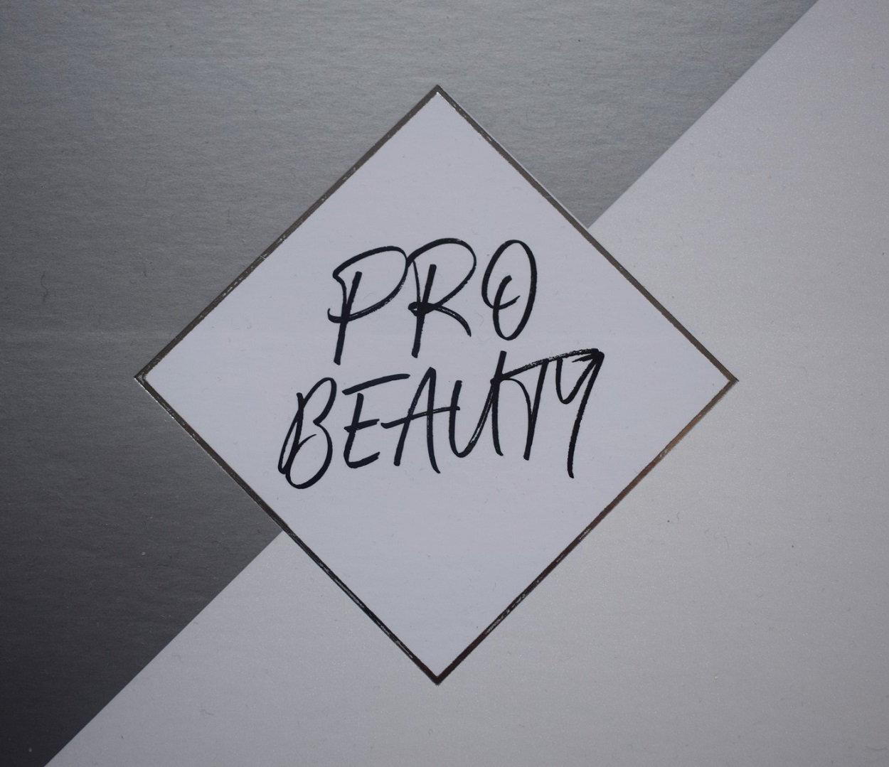 p2 Cosmetics Pro Beauty Box Logo Sunnyside-of-life