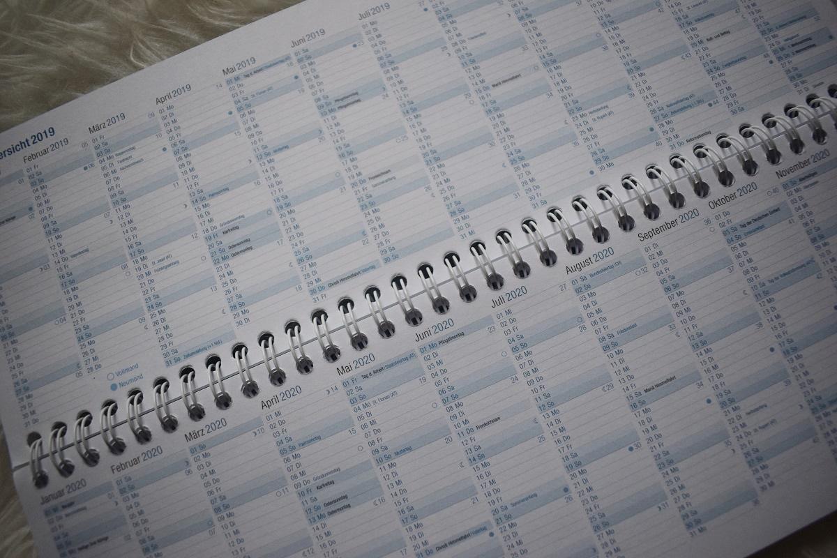 Jahresplanung 2019 mit Häfft Tischkalender Jahresübersicht 2019 und 2020