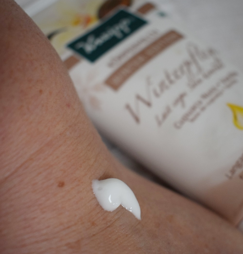 Winterpflege für streichelzarte Haut Körpermilch auf Haut