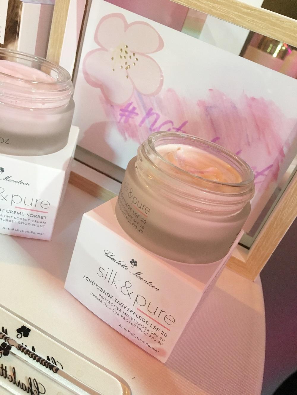 Green Cosmetics Bloggerevent Charlotte Meentzen Silk & Pur Tagescreme Tigel