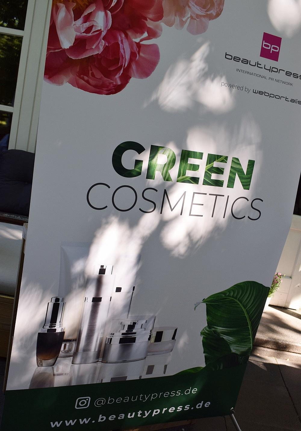 Green Cosmetics Bloggerevent Willkommens-Plakat am Eingang